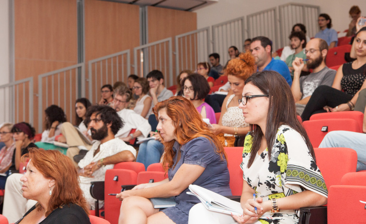 Tibda l-VIVA Curatorial School