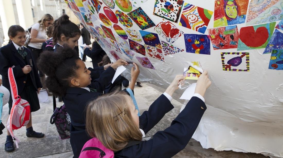 12,000 children's paintings at ŻiguŻajg opening