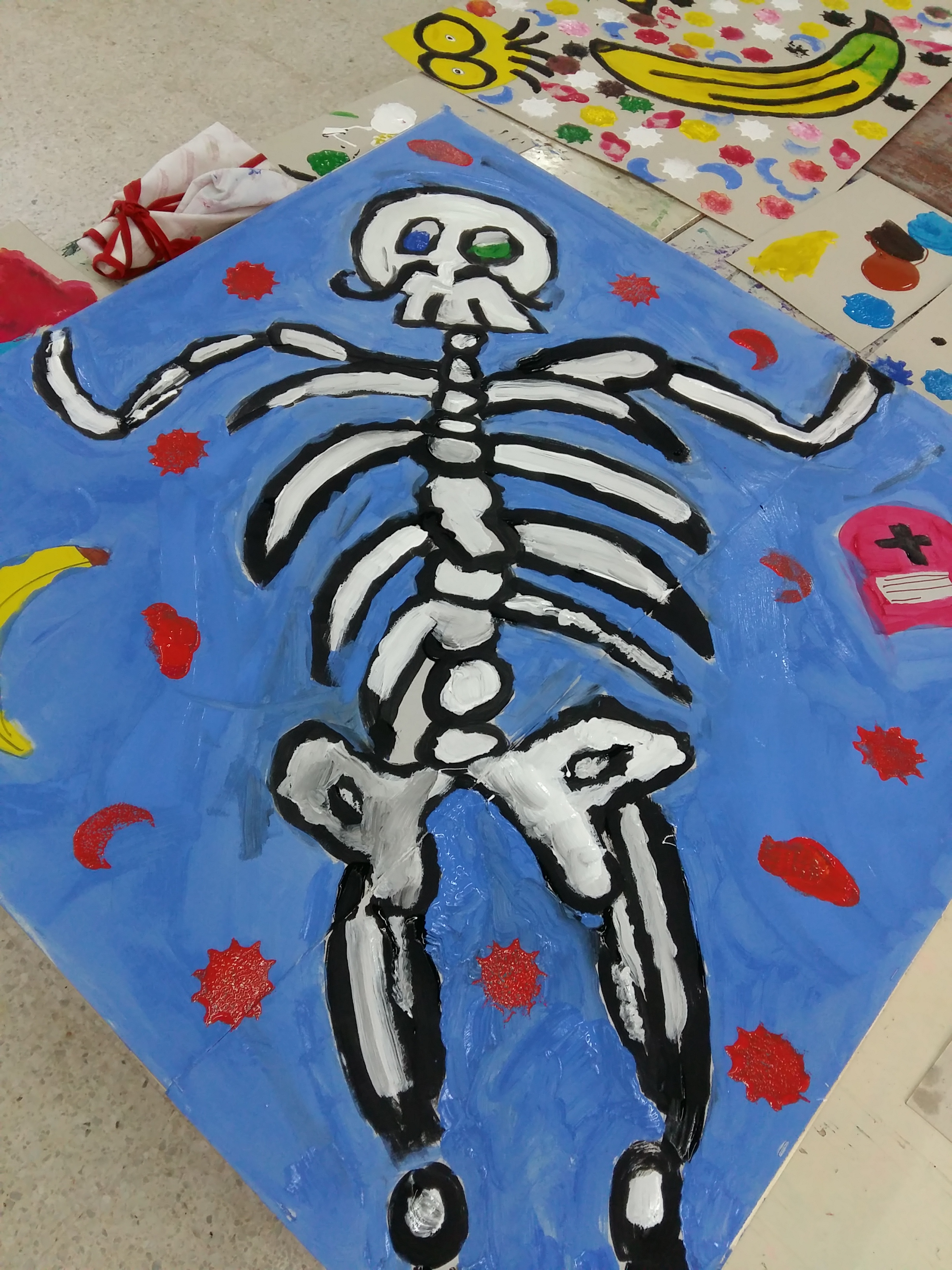 A drawing of a skeleton by the Rabat group.