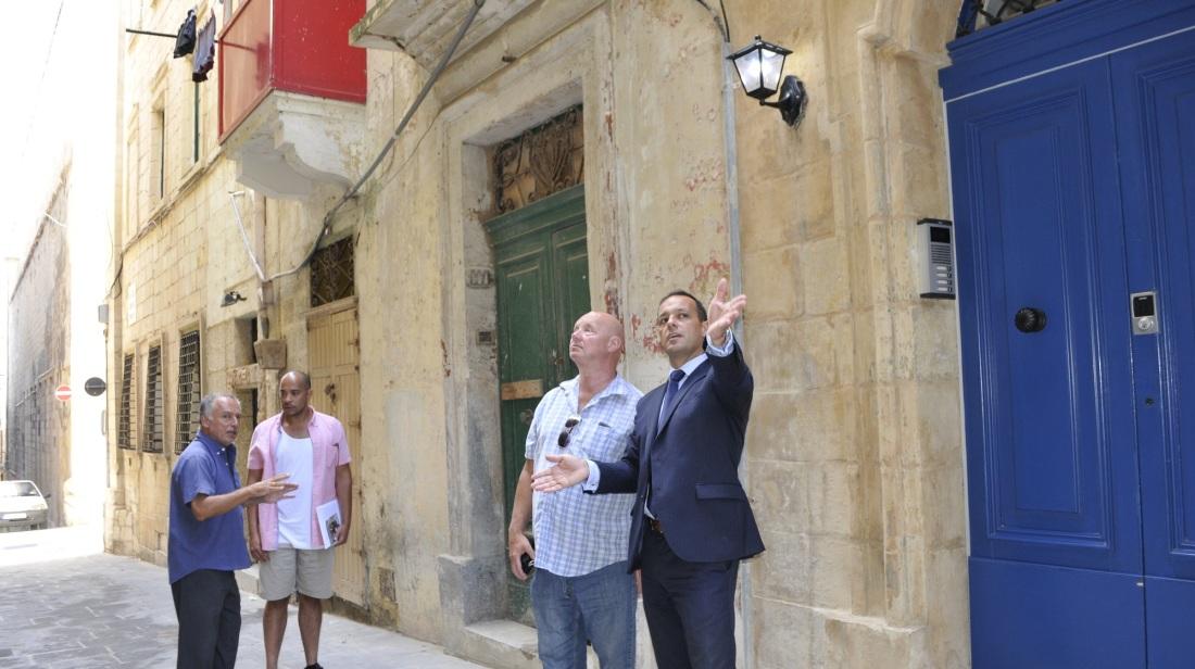 """""""Inħoss dehxa kull meta ninżel Strada Stretta"""""""