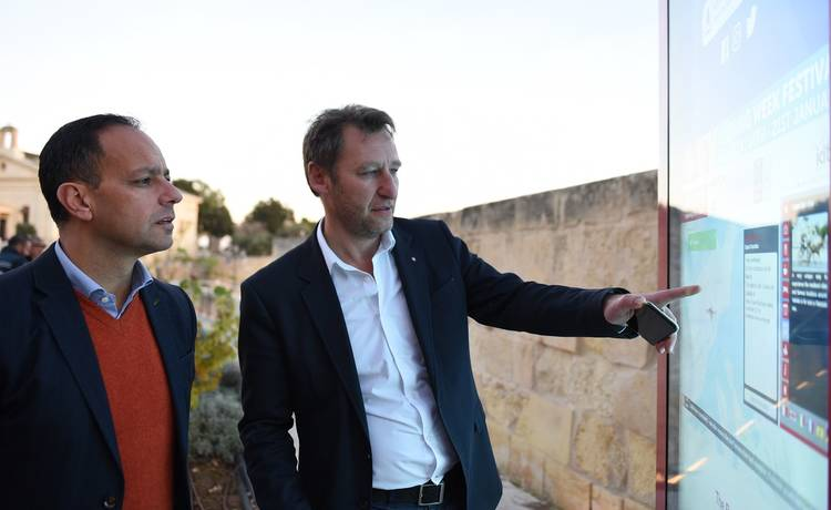 Valletta 2018 tinawgura Skrins Elettroniċi Interattivi fil-Belt