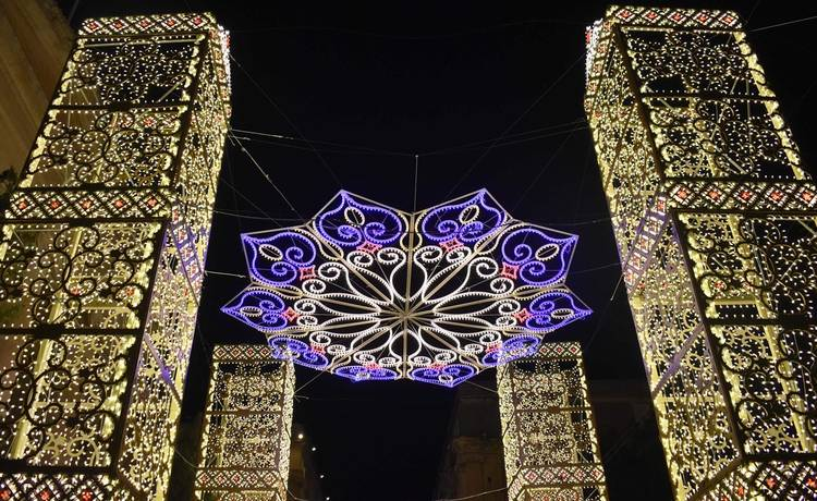 Colourful lights give Valletta a festive makeover